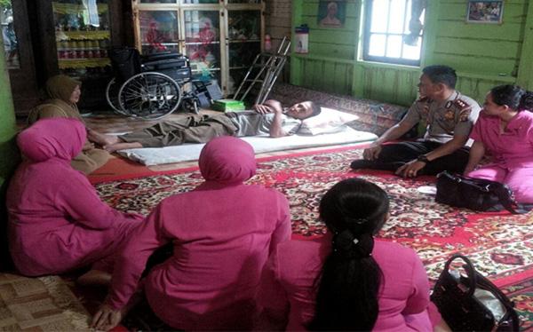 Pada tanggal 05 September 2016 Bhayangkari cabang Sukamara telah melaksanakan anjangsana dalam rangka HKGB Ke 64 Tahun 2016 ke anggota Polsek Jelai atas nama Aiptu Semi Cahyono yang menderita sakit stroke. Kegiatan ini di ikuti oleh Ketua Bhayangkari cabang, Pembina dan pengurus cabang Sukamara