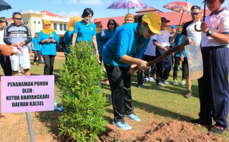Pada tanggal 2 September 2016 dilaksanakan penanaman pohon oleh ketua Bhayangkari daerah Kalimantan Selatan beserta pengurus Bhayangkari daerah Kalimantan Selatan bertempat di mMko SATBRIMOBDA Polda Kalsel.