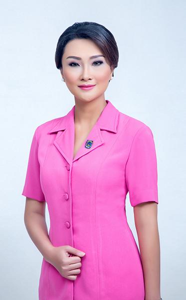 rev Foto ibu Dwi Anggota DPR RI (2)