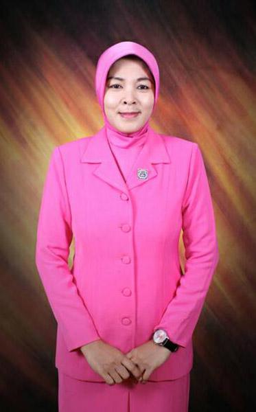 Ny.Uswatun Akhmad Syafiq (Ustadzah,anggota Bhayangkari Daerah Metro Jaya)