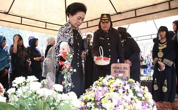 pemakaman perintis polwan 2018 d