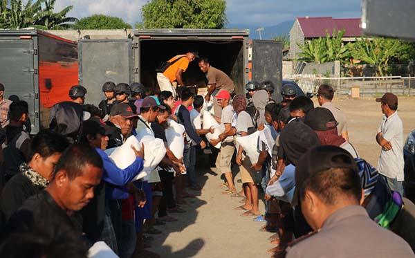 Kunjungan ke korban gempa di Plu, Donggla dan Dili c