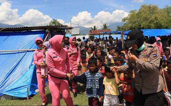 Kunjungan ke korban gempa di Plu, Donggla dan Dili g