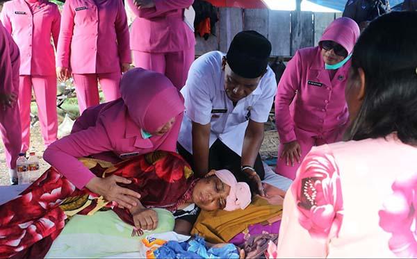 Kunjungan ke korban gempa di Plu, Donggla dan Dili k