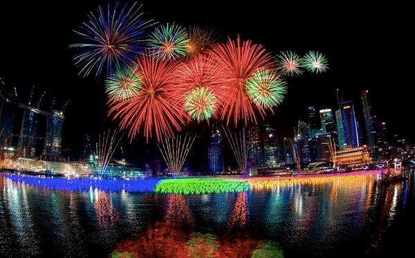 Kembang api tahun baru - belfot