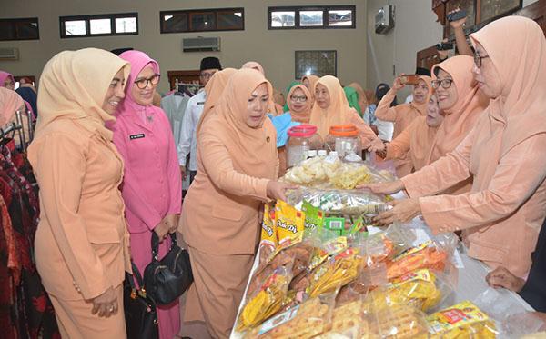 Pembukaan Bazaar ramadhan DWP Prov. Jambi 2019 b