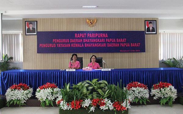 Rapat Paripurna PD Papua Barat 2019 a