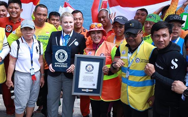 Penyerahan Sertifikat Guinness World Records Selam h