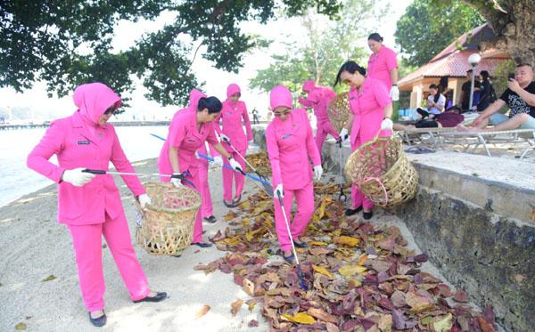 aksi bersih laut dan pantai 2019 b