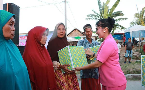 Bakti Sosial Ke Kampung Nelayan Karangantu b