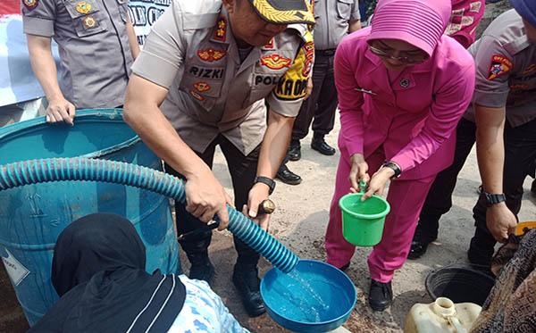 Bakti Sosial bantuan Air Bersih d