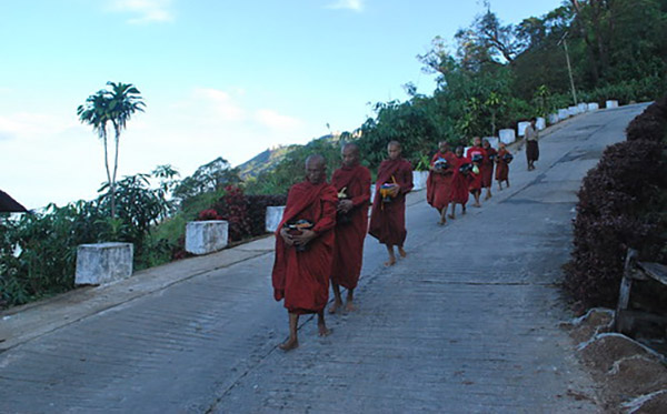 cara berpikir buddhis 2020 b