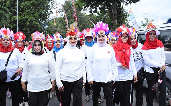 Gerak Jalan Sehat Kelurga Bersama Bhayangkari PD Sulteng g
