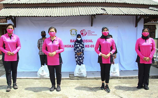Bakti Sosial Bhayangkari Peduli di Sukabumi_2