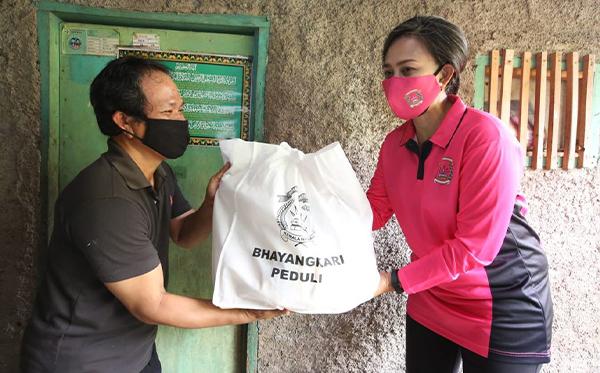 Bakti Sosial Bhayangkari Peduli di Sukabumi_5