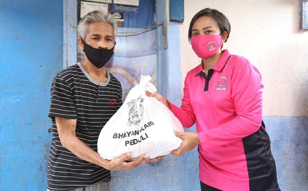 Bakti Sosial Bhayangkari Peduli di Sukabumi_6