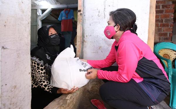 Bakti Sosial Bhayangkari Peduli di Sukabumi_9