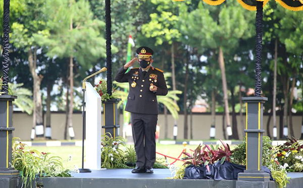 Upacara Penutupan Pendidikan Sekolah Inspektur Polisi Angkatan ke-50 T.A 2021_5